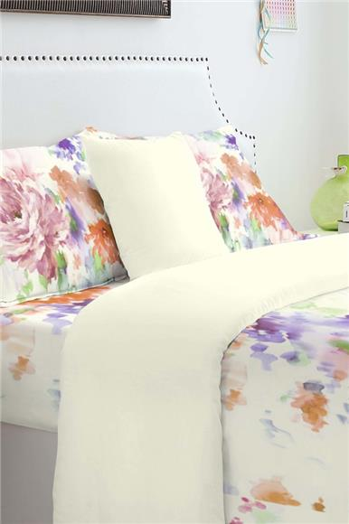 Colour Combination - Look Bedroom Using Bed Sheet