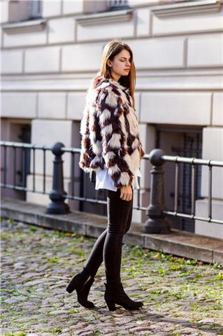 Still Possible - Simple Yet Chic