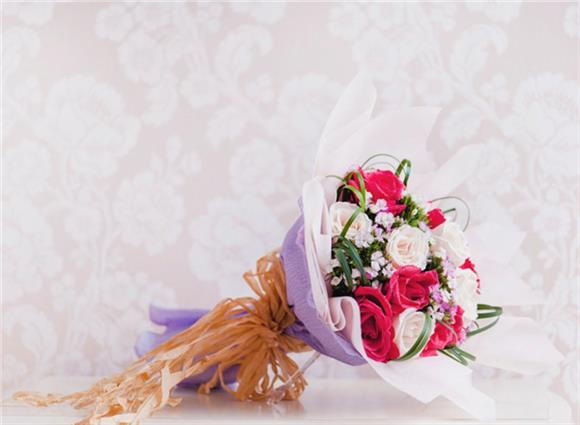 William - Flower Bouquet With Roses